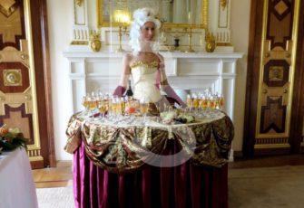 Заказать леди фуршет стол с моделью на праздник