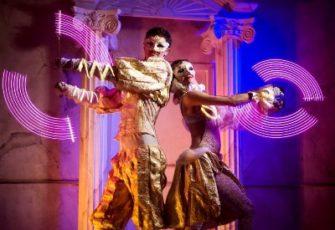 Неоновое световое шоу фриков выступление дуэтом с графическим реквизитом - пиксель поями заказать на мероприятие в МСК и СПб цена