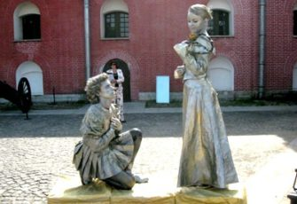 2 живые скульптуры - создание тематических образов