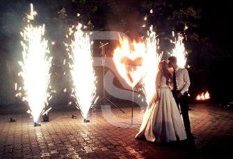 Пиротехнические уличные фонтаны заказать на мероприятие, праздник или свадьбу в МСК и СПб цена