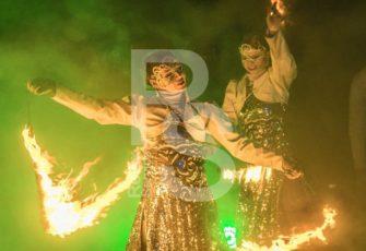 Пиротехническое огненное фаер шоу с 2-мя артистами заказать на мероприятие в МСК цена, заказ fire show на праздник в СПб стоимость за двух человек