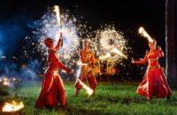 Выступление с огнем и пиротехникой, 3 артиста